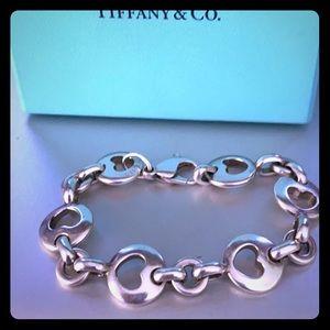 TIFFANY&Co 💯 authentic Cut-Out Hearts Bracelet